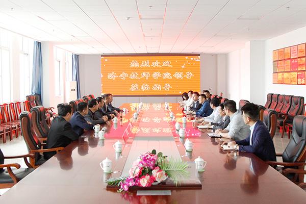 热烈欢迎济宁技师学院领导莅临集团参观指导