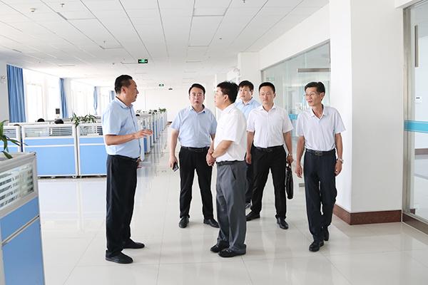 热烈欢迎济宁技师学院领导莅临集团考察合作