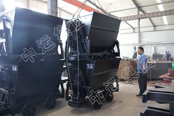 集团一批翻斗式矿车发往新疆伊宁