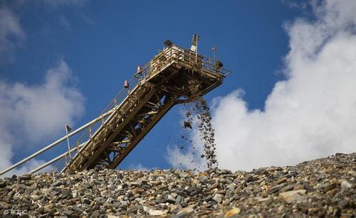 钢铁行业面临成本和转型双重压力