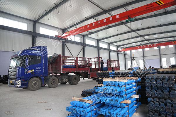 集团一批矿用单体液压支柱发往陕西