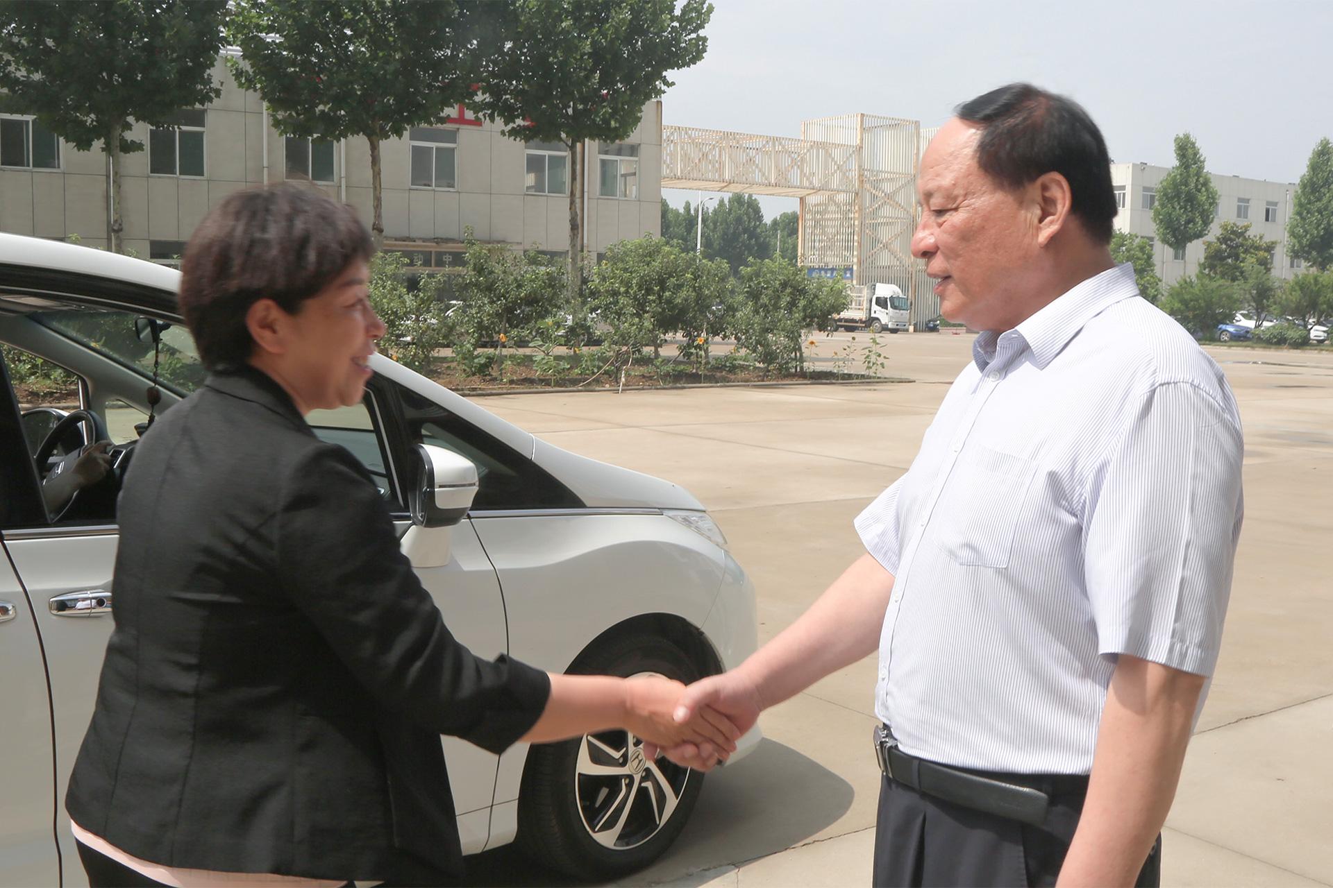 热烈欢迎济宁市工商联领导一行莅临集团参观指导