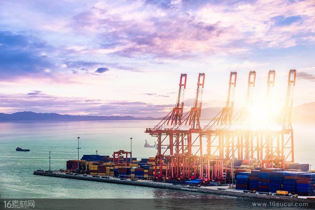 青岛港自动化码头开启商业化运营