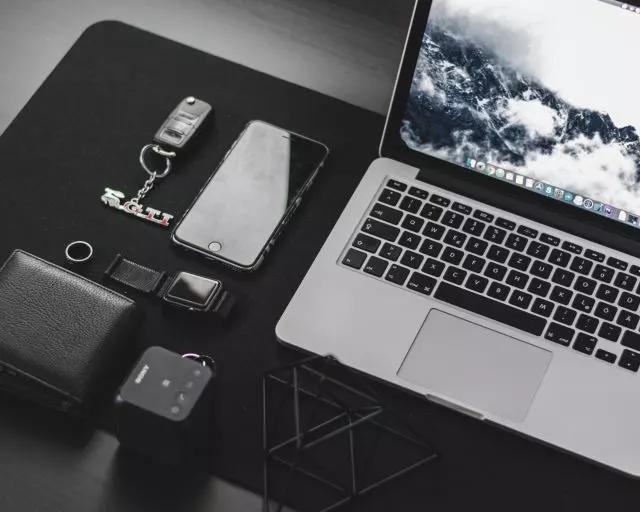 手机端应选择H5网页、微信小程序还是APP?